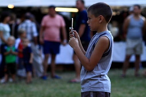 Cell Phones And Kids: 5 Benefits To Consider